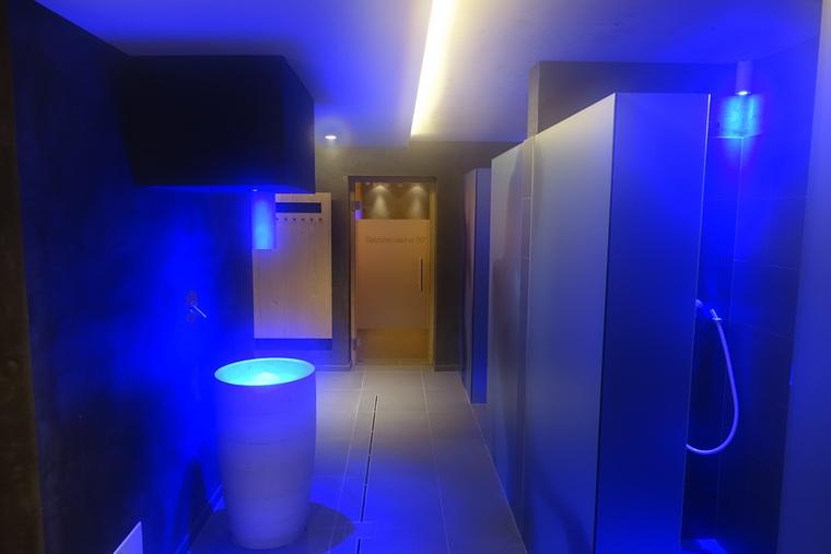 Ledyanoy_fontan_v_saune